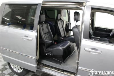 2013 Chrysler Town & Country Wheelchair Van For Sale -- Thumb #10