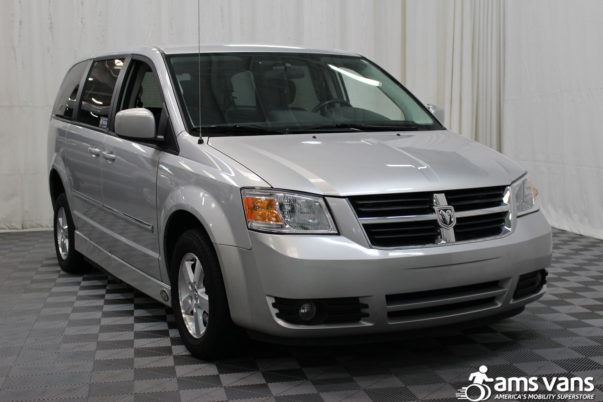 2008 Dodge Grand Caravan SXT Wheelchair Van For Sale #11