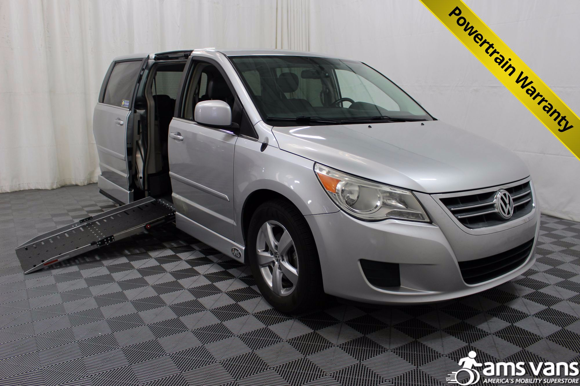 2010 Volkswagen Routan SE Wheelchair Van For Sale #1