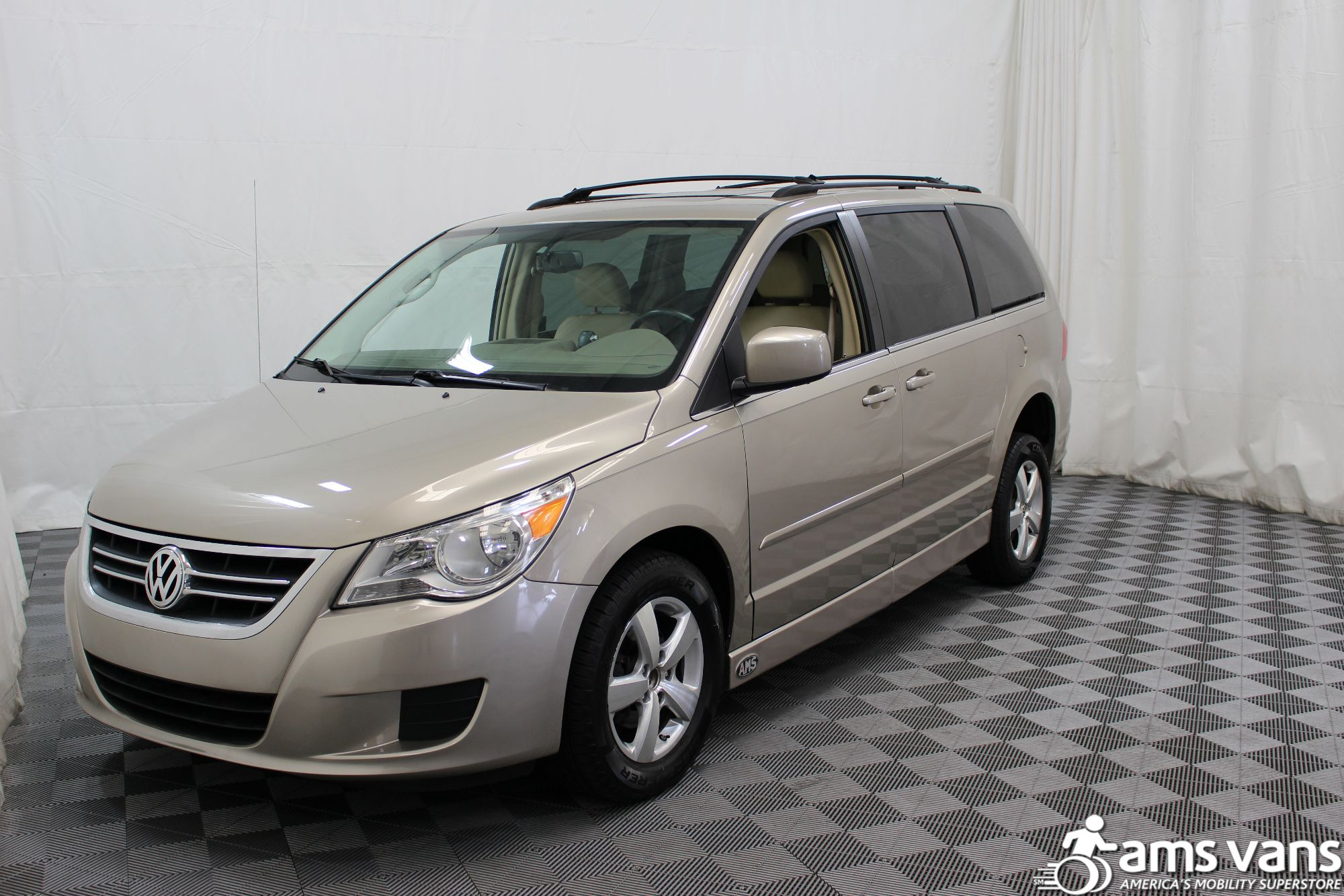 2009 Volkswagen Routan SEL Wheelchair Van For Sale #18