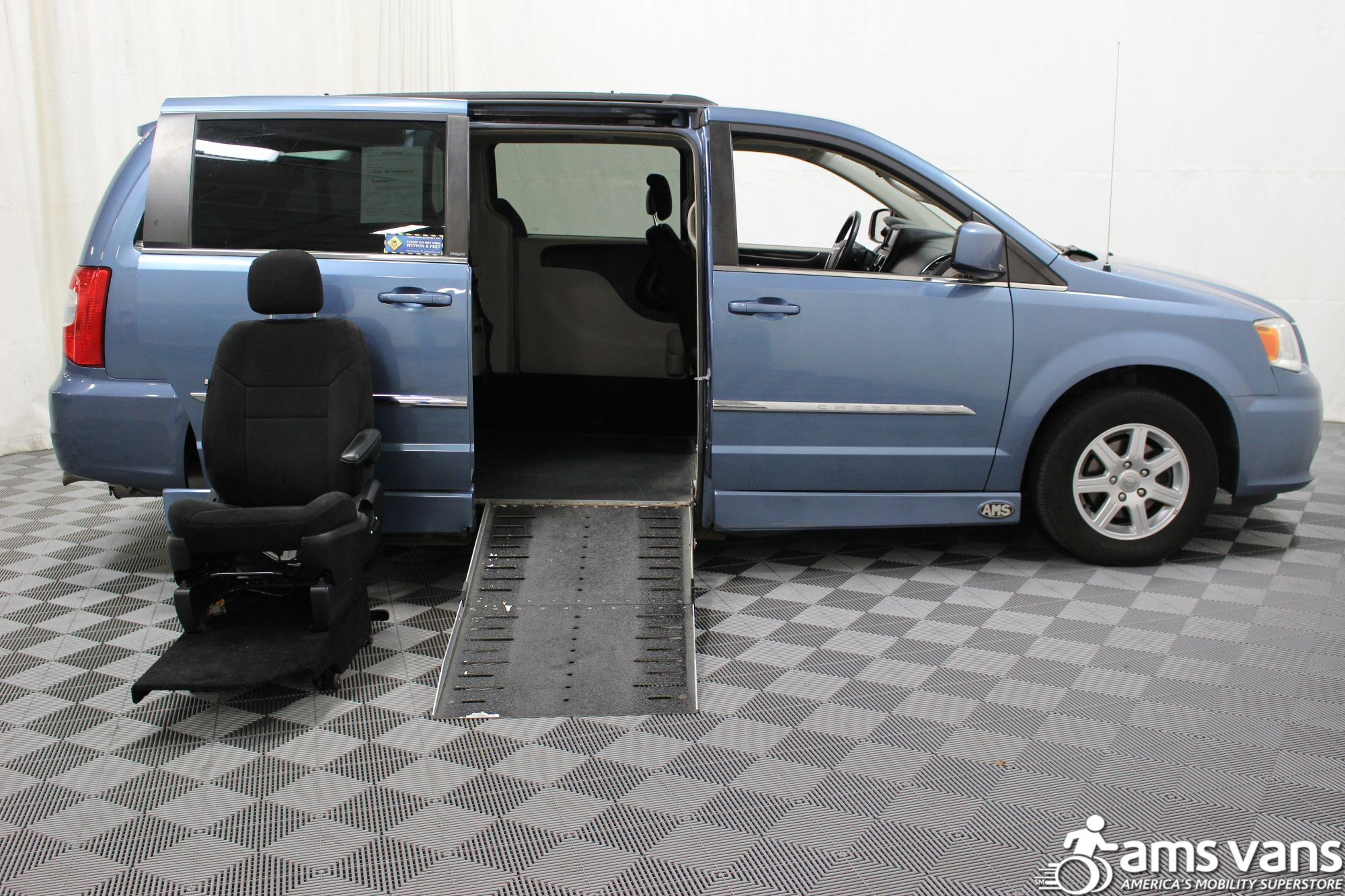 2012 Chrysler Town and Country Touring Wheelchair Van For Sale #10