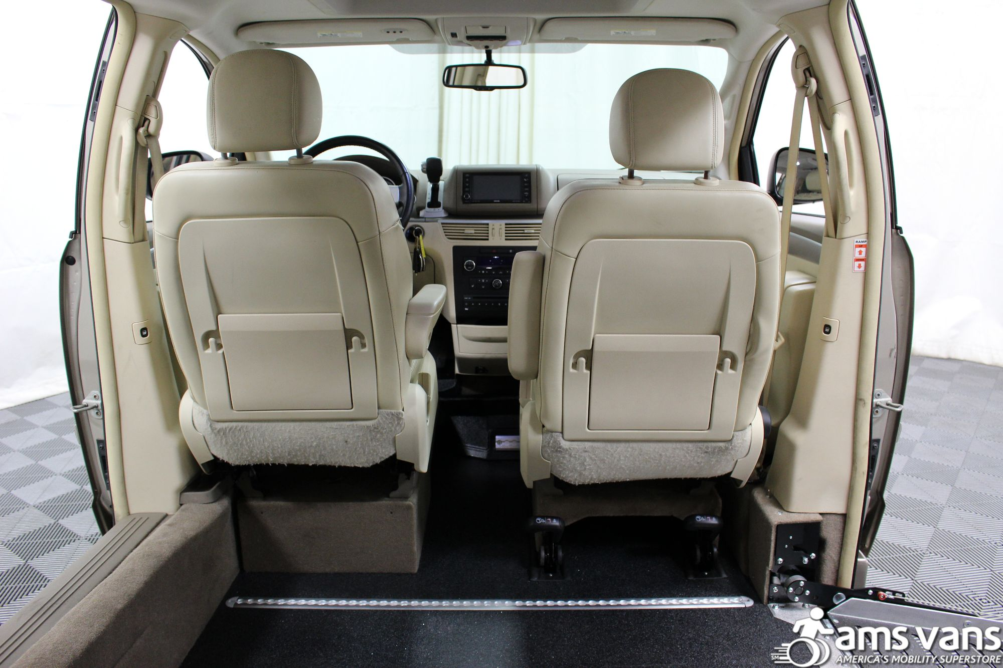 2009 Volkswagen Routan SEL Wheelchair Van For Sale #5