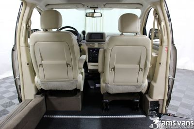 2009 Volkswagen Routan Wheelchair Van For Sale -- Thumb #5