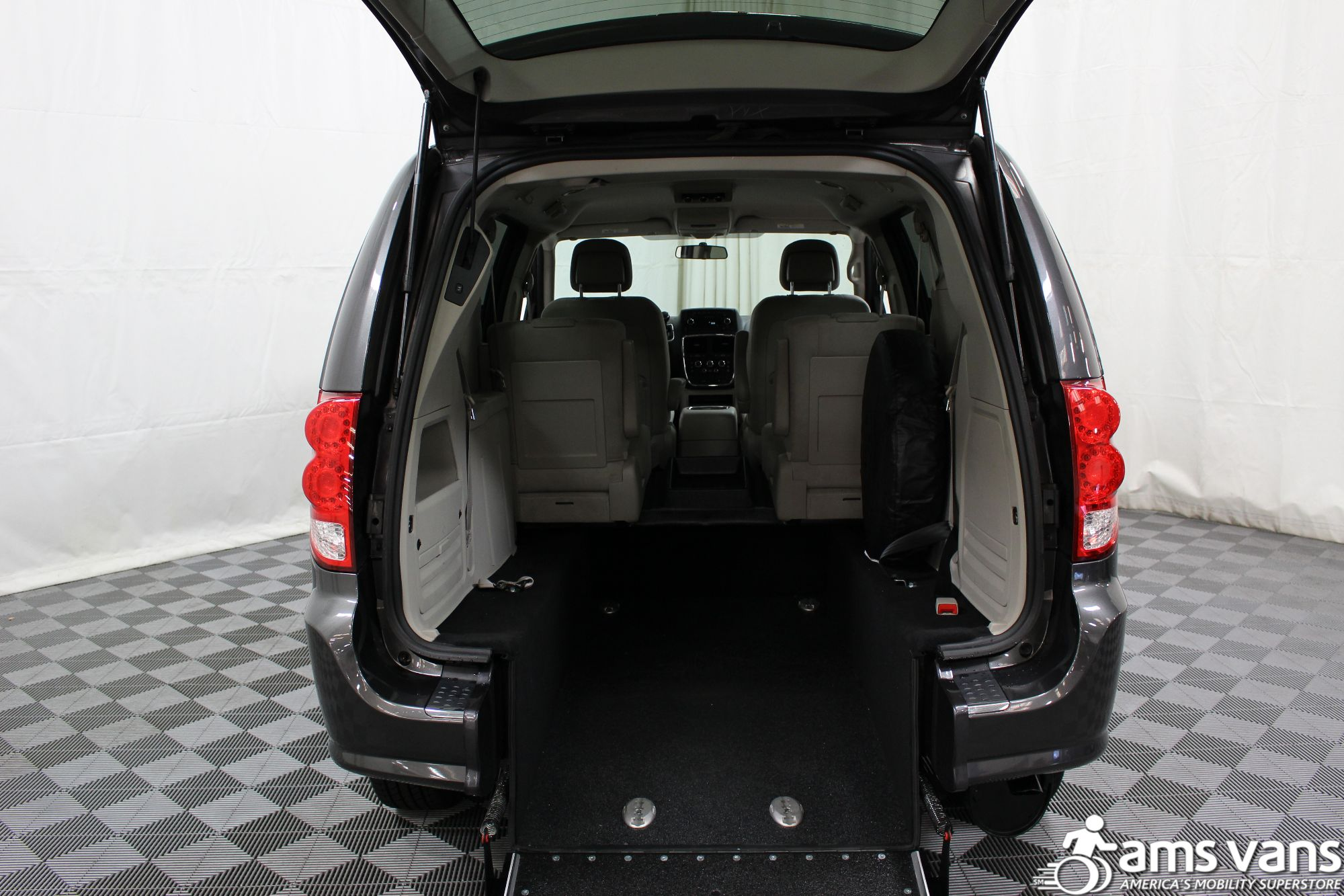 2015 Dodge Grand Caravan SXT Wheelchair Van For Sale #3