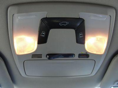 Brown Toyota Sienna image number 13