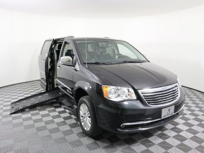 Used Wheelchair Van for Sale - 2014 Chrysler Town & Country Limited Wheelchair Accessible Van VIN: 2C4RC1GG7ER285946