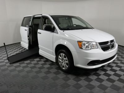 Handicap Van for Sale - 2019 Dodge Grand Caravan SE GOV-SE Wheelchair Accessible Van VIN: 2C7WDGBGXKR784412