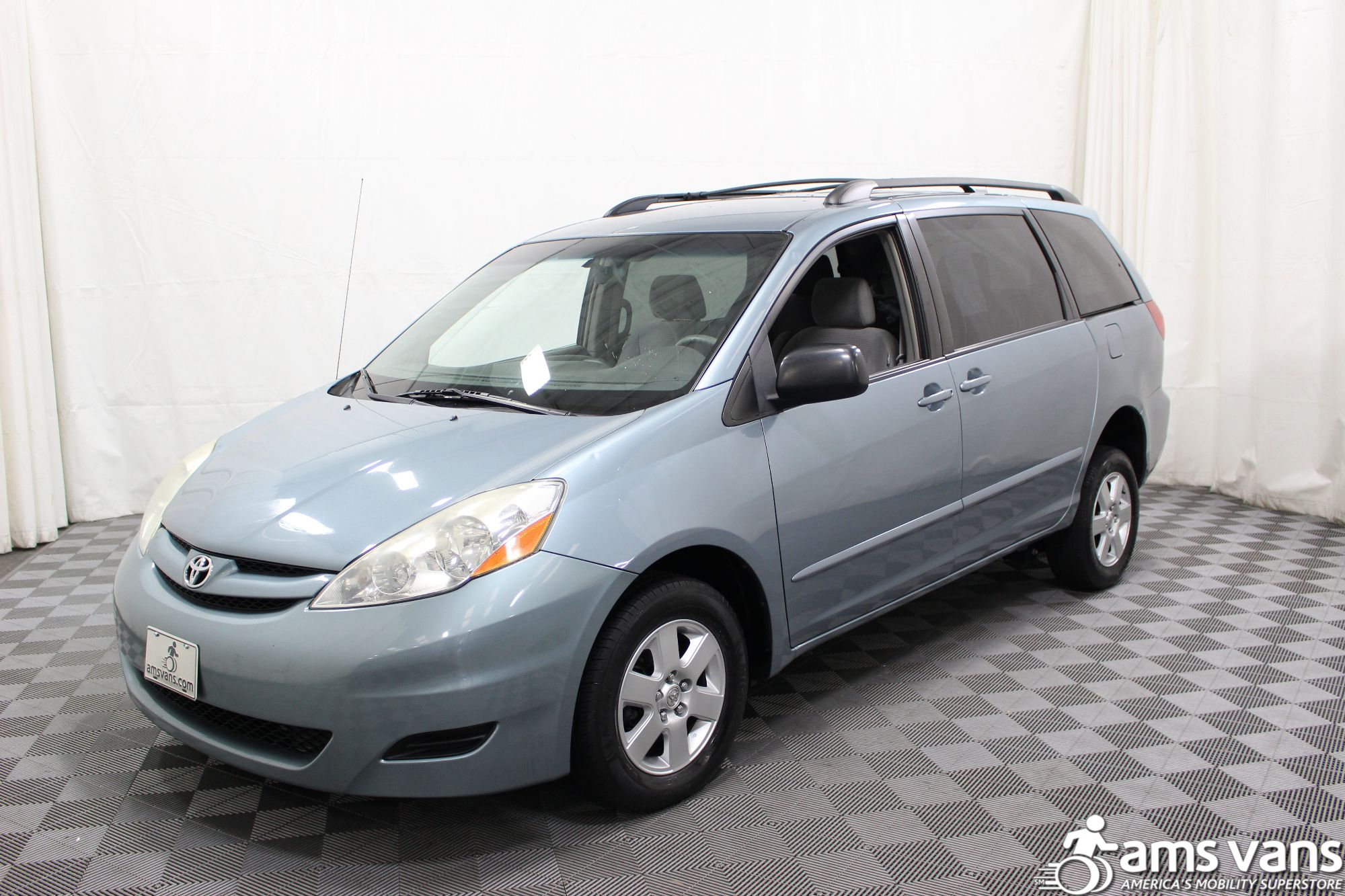 2006 Toyota Sienna LE Wheelchair Van For Sale #15