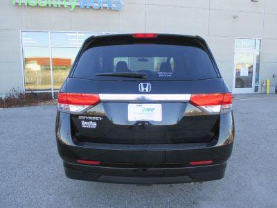 Black Honda Odyssey image number 8