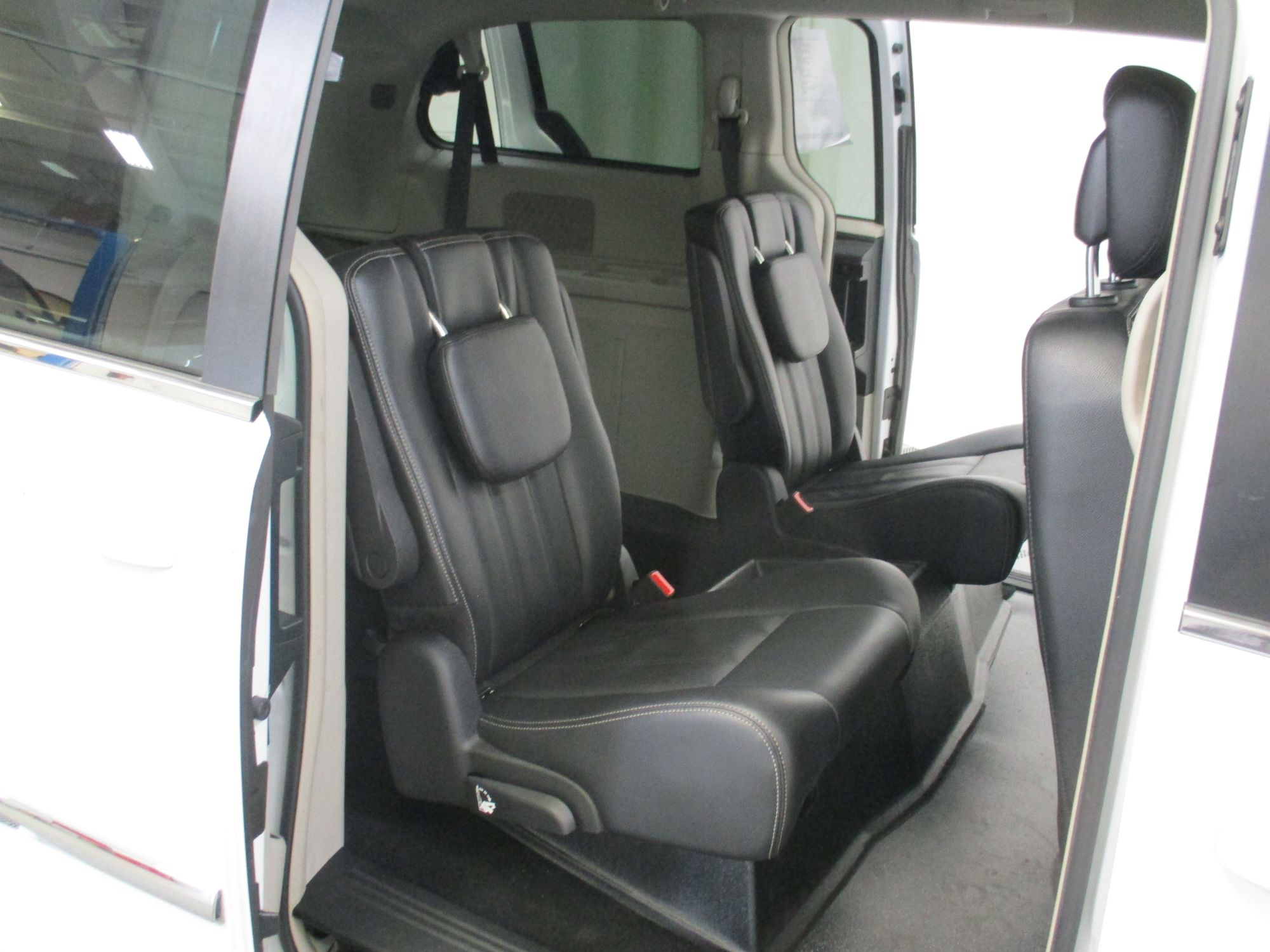 2015 Chrysler Town and Country Touring Wheelchair Van For Sale #9