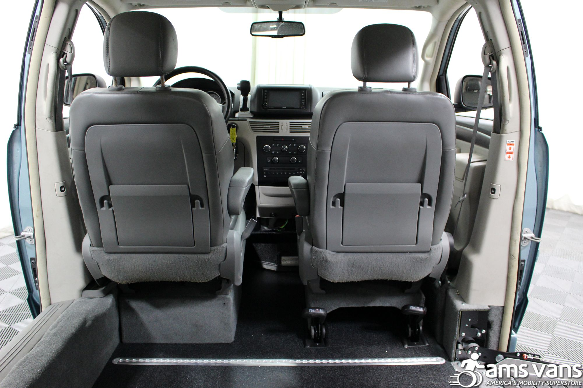 2010 Volkswagen Routan Wheelchair Van For Sale #6