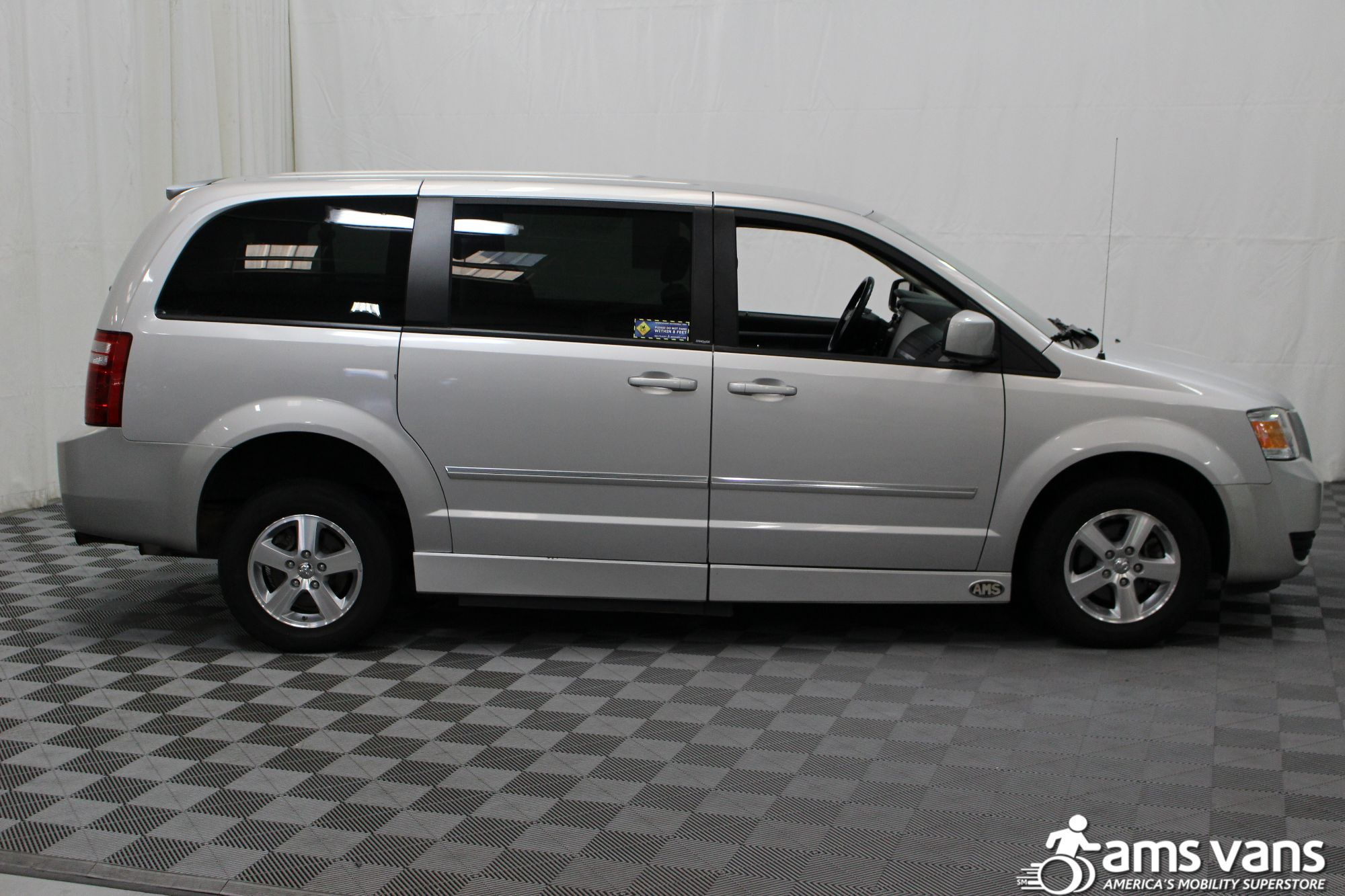2008 Dodge Grand Caravan SXT Wheelchair Van For Sale #12