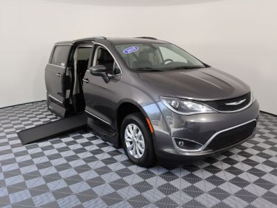Handicap Van for Sale - 2018 Chrysler Pacifica Touring L Wheelchair Accessible Van VIN: 2C4RC1BG3JR118954