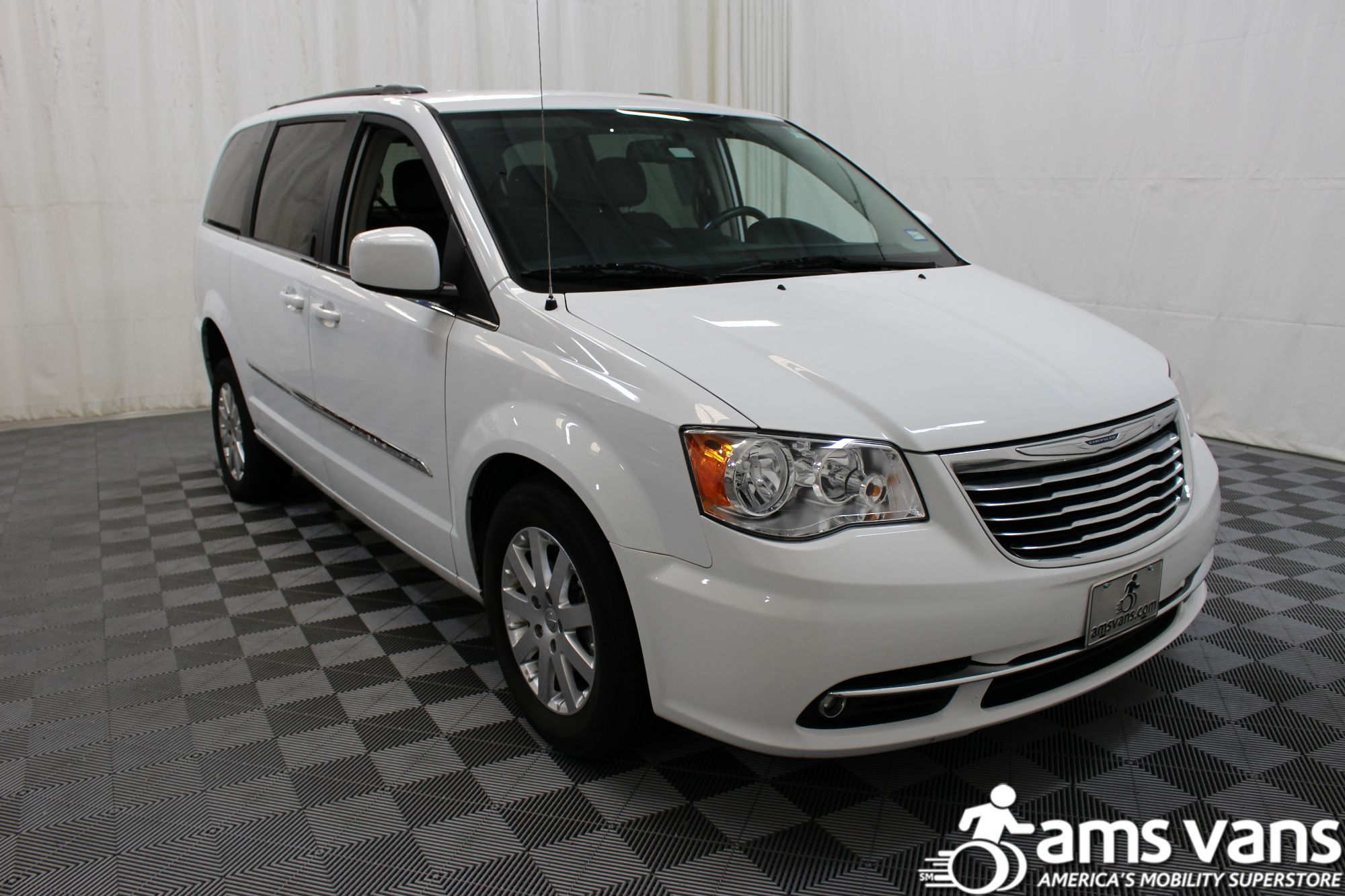 2014 Chrysler Town and Country Touring Wheelchair Van For Sale #10