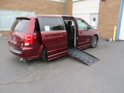 Red Dodge Grand Caravan image number 7