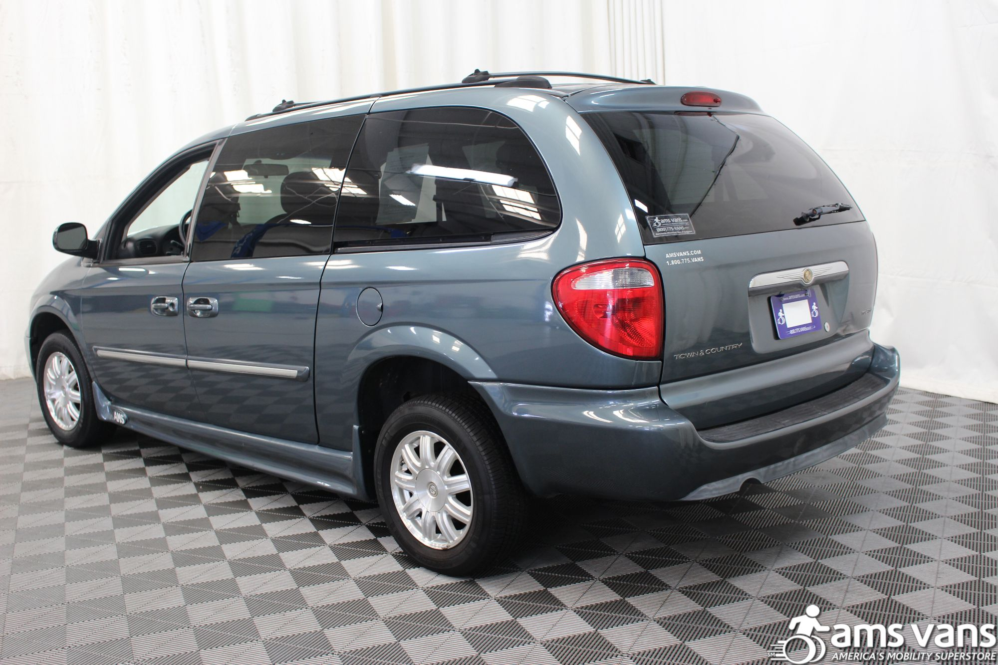 2005 Chrysler Town and Country Touring Wheelchair Van For Sale #3