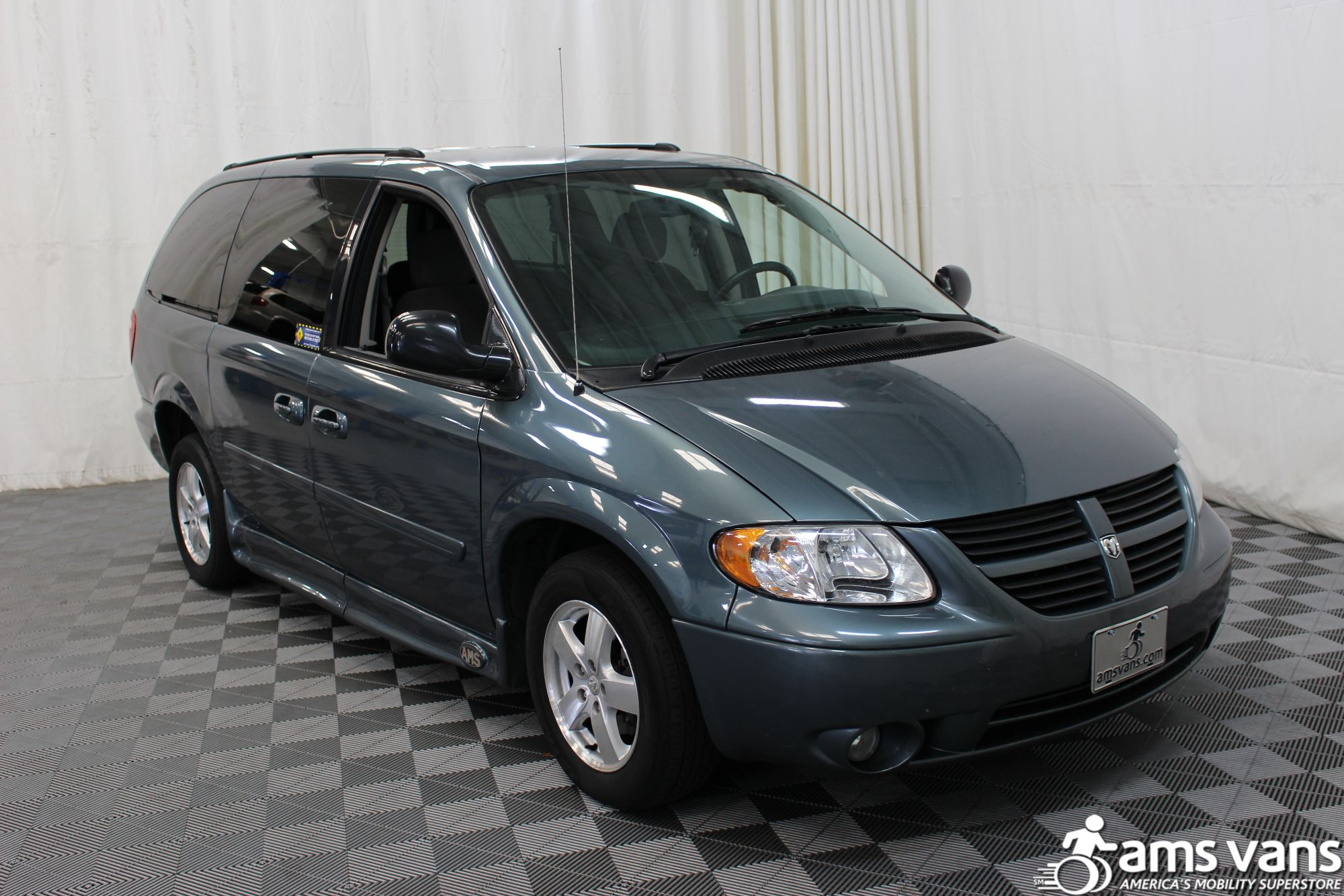 2007 Dodge Grand Caravan SXT Wheelchair Van For Sale #11