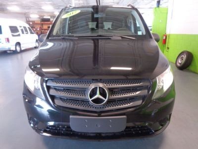 Black Mercedes-Benz Metris image number 1