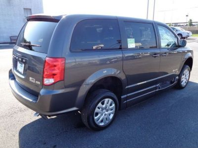GRANITE CRYSTAL Dodge Grand Caravan image number 6