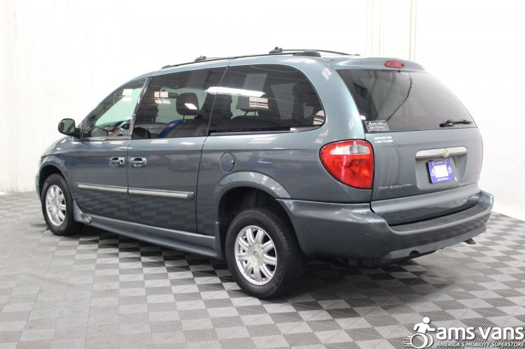 2005 Chrysler Town and Country Touring Wheelchair Van For Sale #5