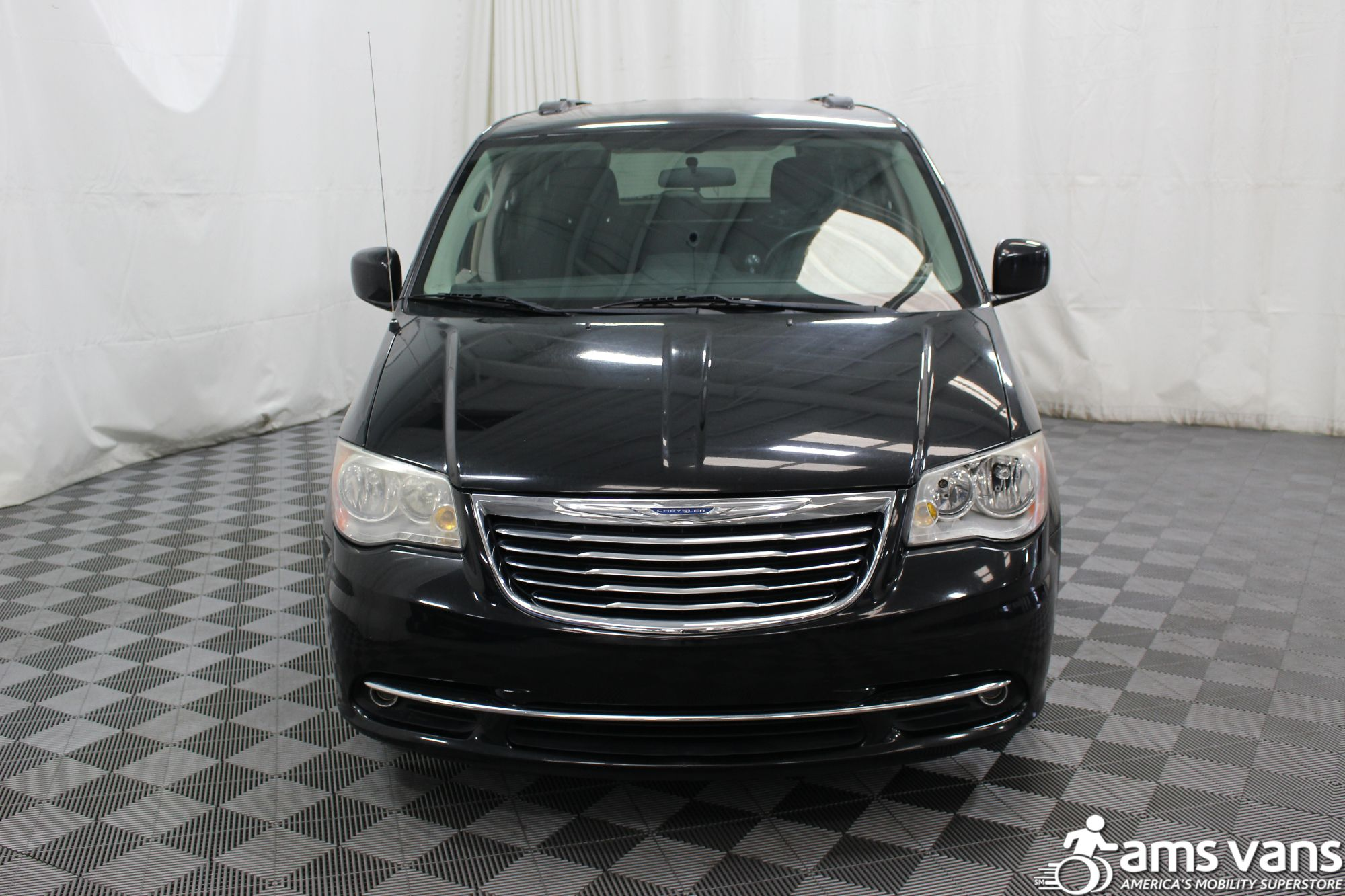 2011 Chrysler Town and Country Touring Wheelchair Van For Sale #15