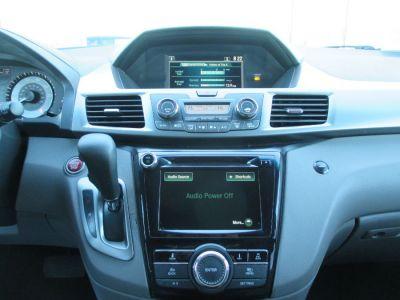 Black Honda Odyssey image number 21