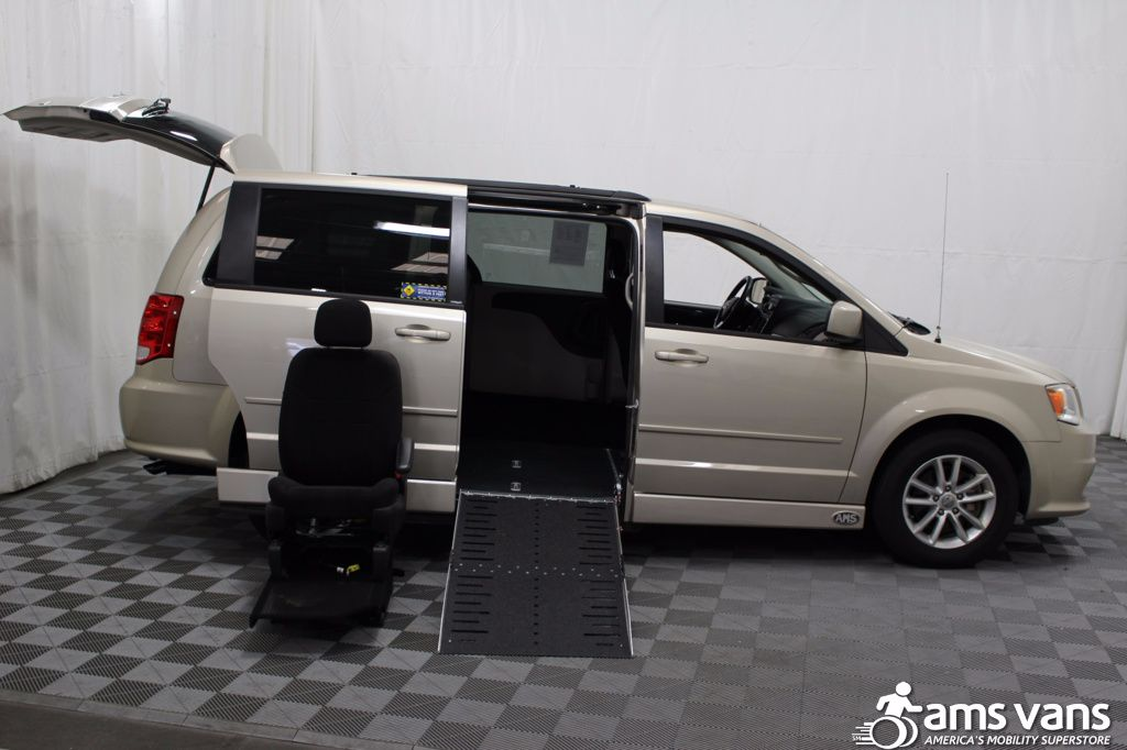 2013 Dodge Grand Caravan SXT Wheelchair Van For Sale #7
