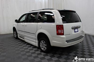 2010 Chrysler Town and Country Wheelchair Van For Sale -- Thumb #11