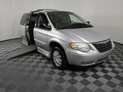 Used Wheelchair Van for Sale - 2007 Chrysler Town & Country Touring Wheelchair Accessible Van VIN: 2A4GP54L07R108172
