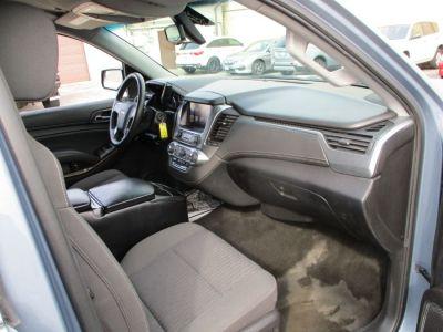 Gray Chevrolet Suburban image number 11