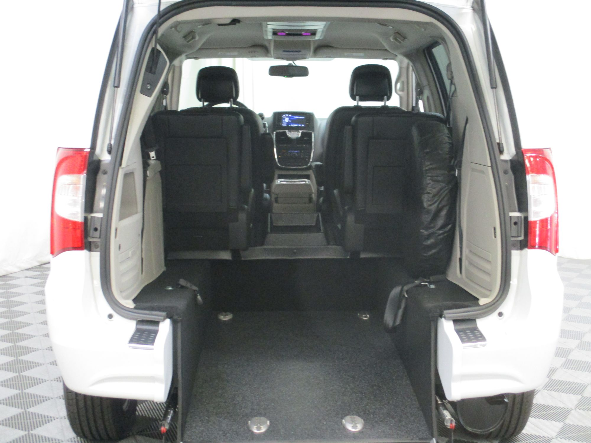 2015 Chrysler Town and Country Touring Wheelchair Van For Sale #5