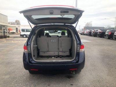 Blue Honda Odyssey image number 14