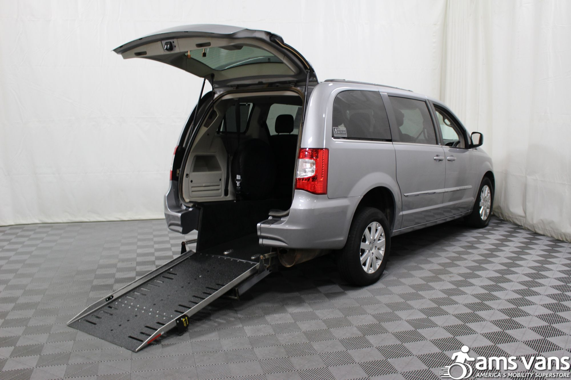 2013 Chrysler Town & Country Touring Wheelchair Van For Sale #1