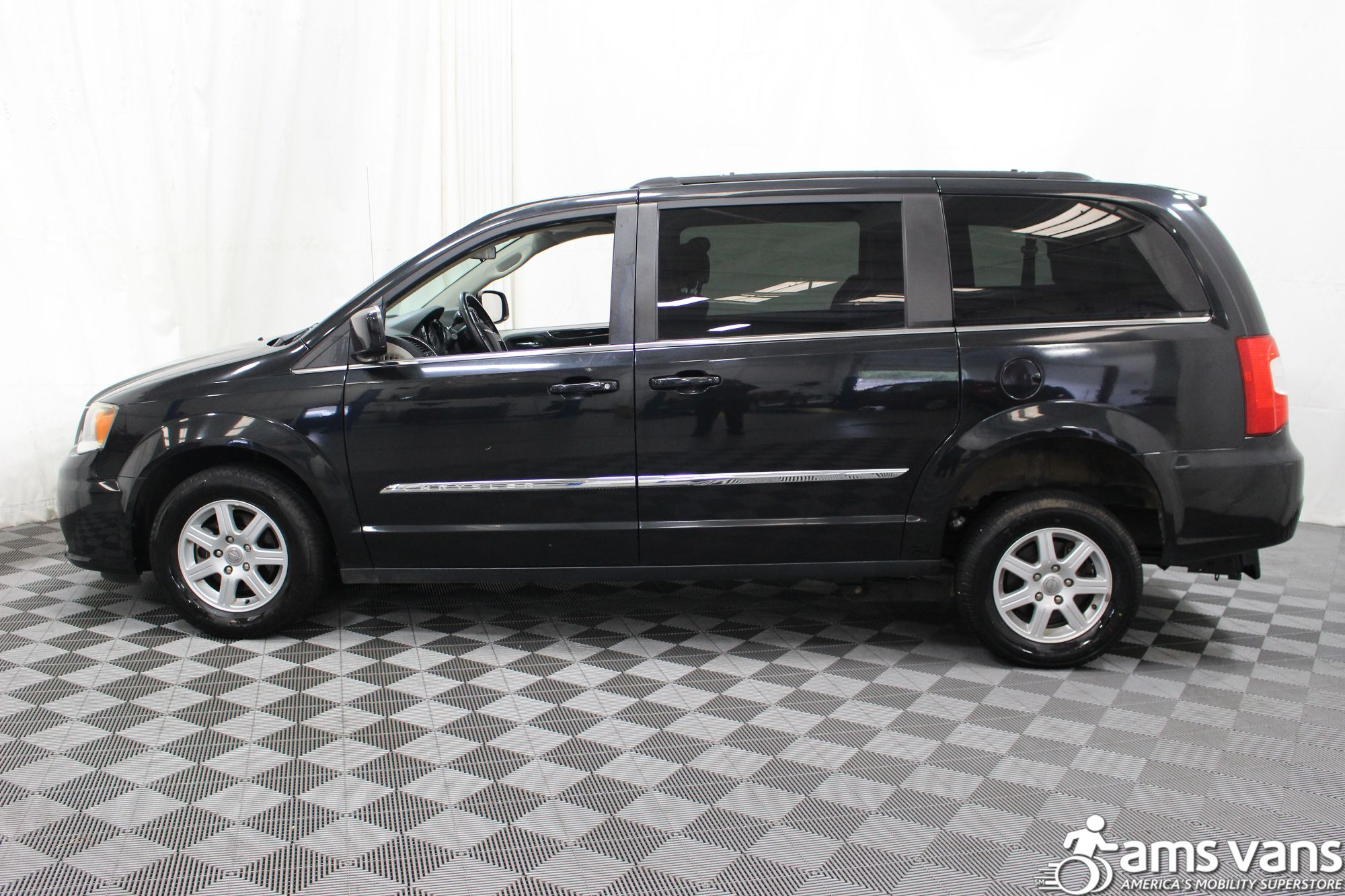 2011 Chrysler Town and Country Touring Wheelchair Van For Sale #13