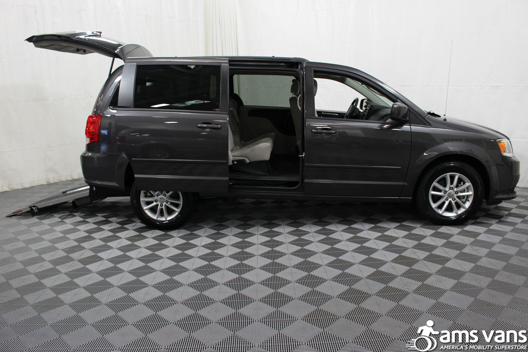 2015 Dodge Grand Caravan SXT Wheelchair Van For Sale #7