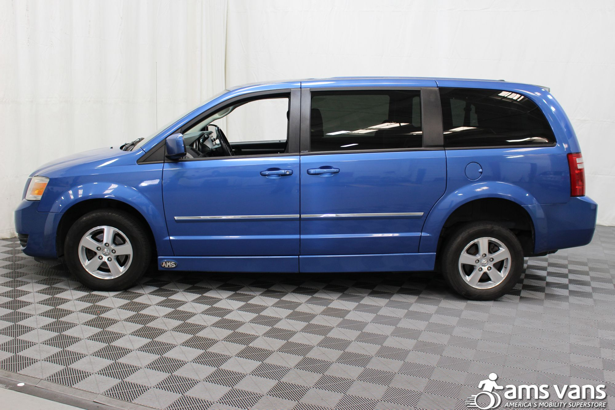 2008 Dodge Grand Caravan SXT Wheelchair Van For Sale #5