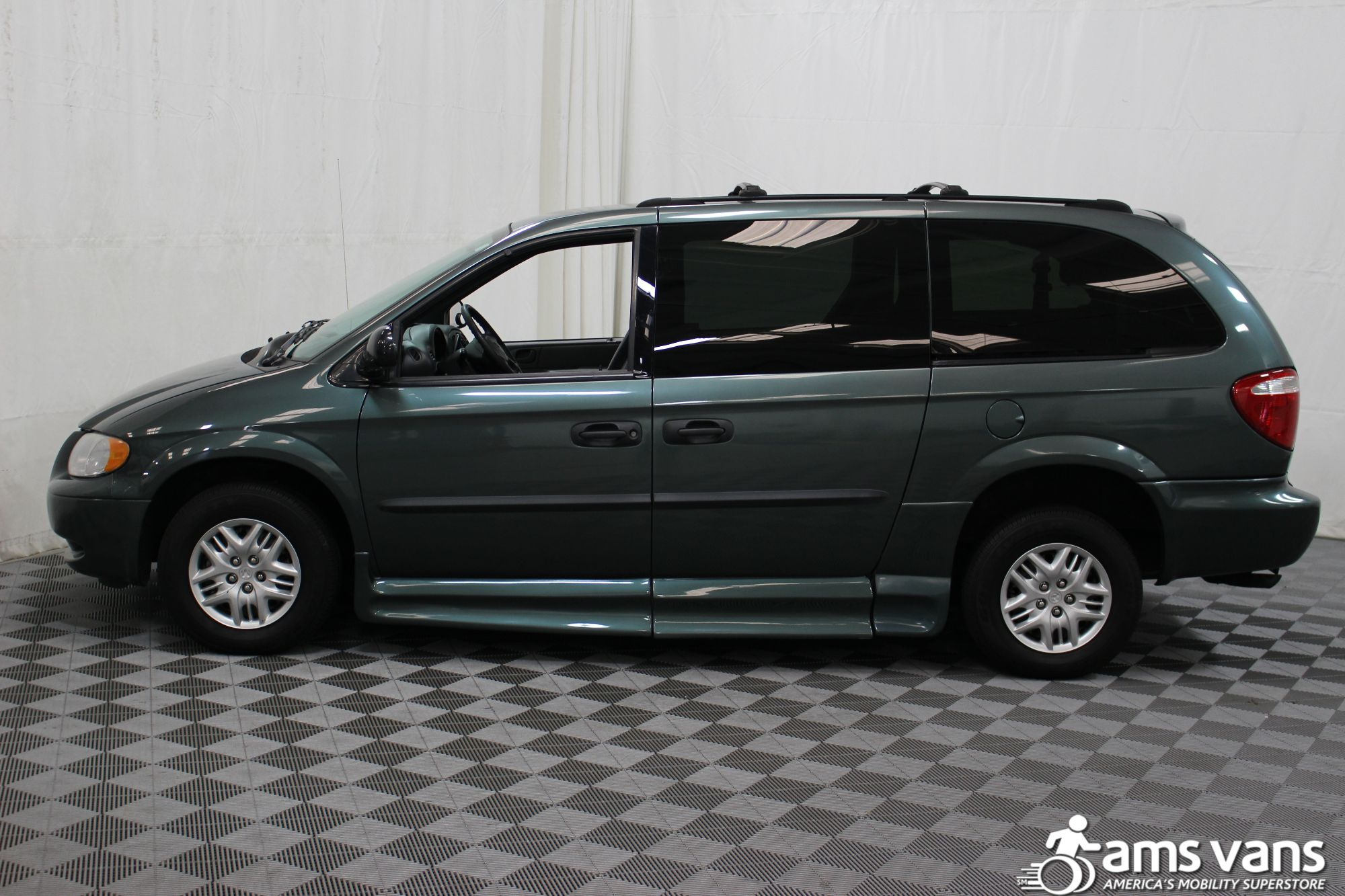 2004 Dodge Grand Caravan SE Wheelchair Van For Sale #14