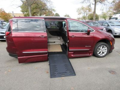 Red Chrysler Pacifica image number 7