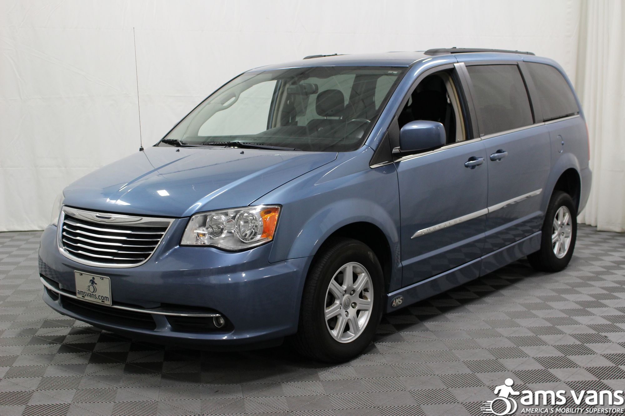 2012 Chrysler Town and Country Touring Wheelchair Van For Sale #17