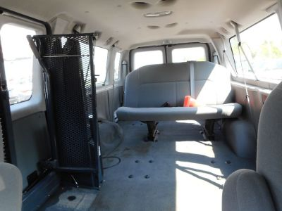 WHITE Ford E-350 image number 15