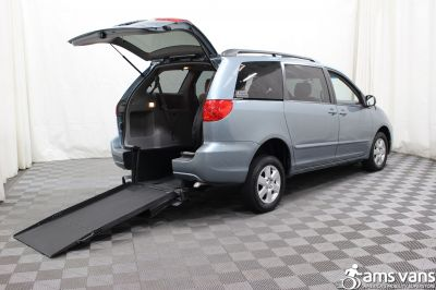 2006 Toyota Sienna Wheelchair Van For Sale -- Thumb #2