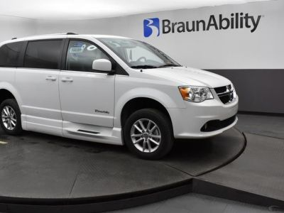 White Dodge Grand Caravan image number 10