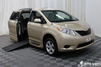 Used 2014 Toyota Sienna LE Wheelchair Van