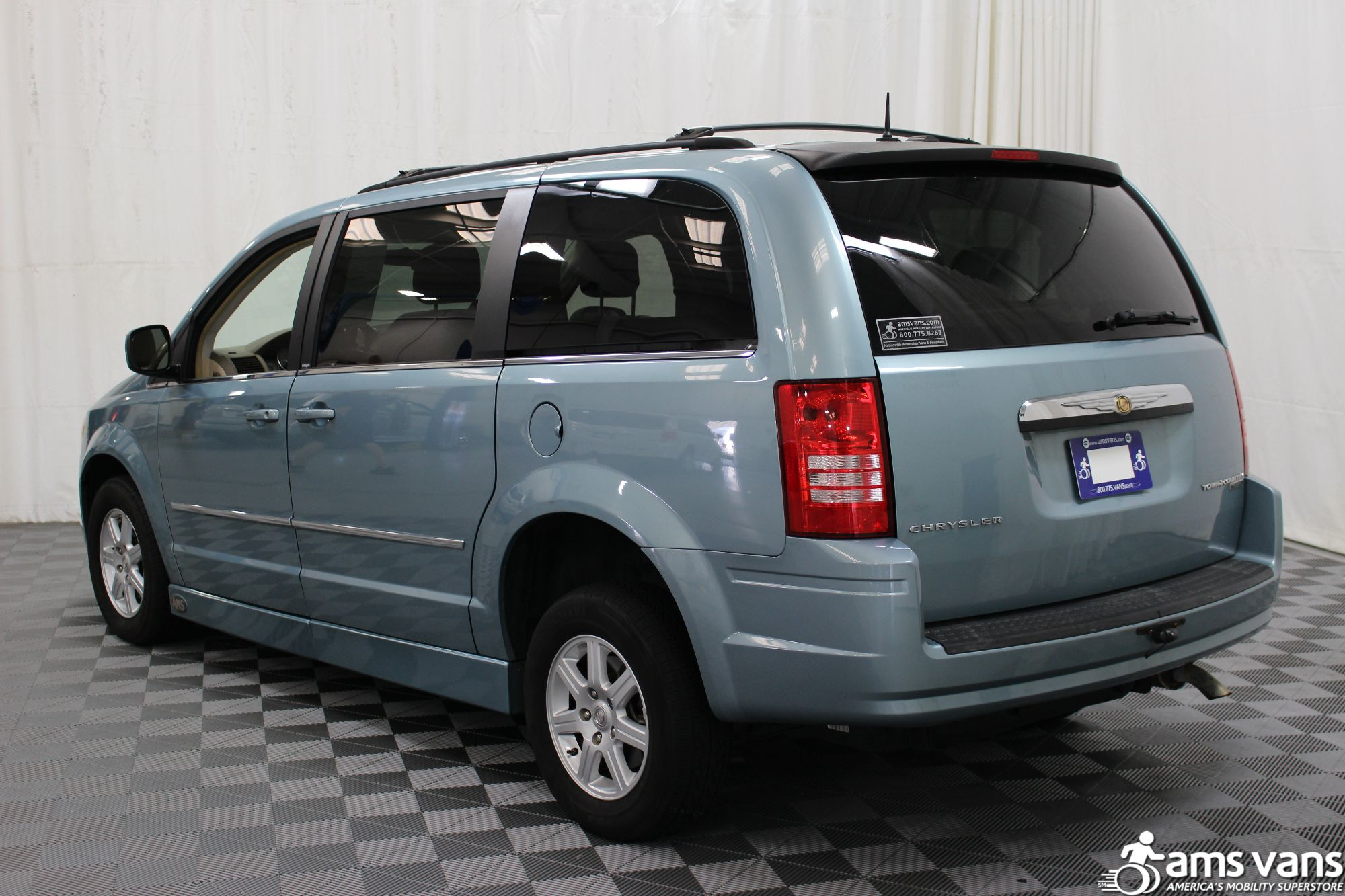 2010 Chrysler Town and Country Wheelchair Van For Sale #15