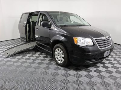 Used Wheelchair Van for Sale - 2008 Chrysler Town & Country LX Wheelchair Accessible Van VIN: 2A8HR44H18R618597