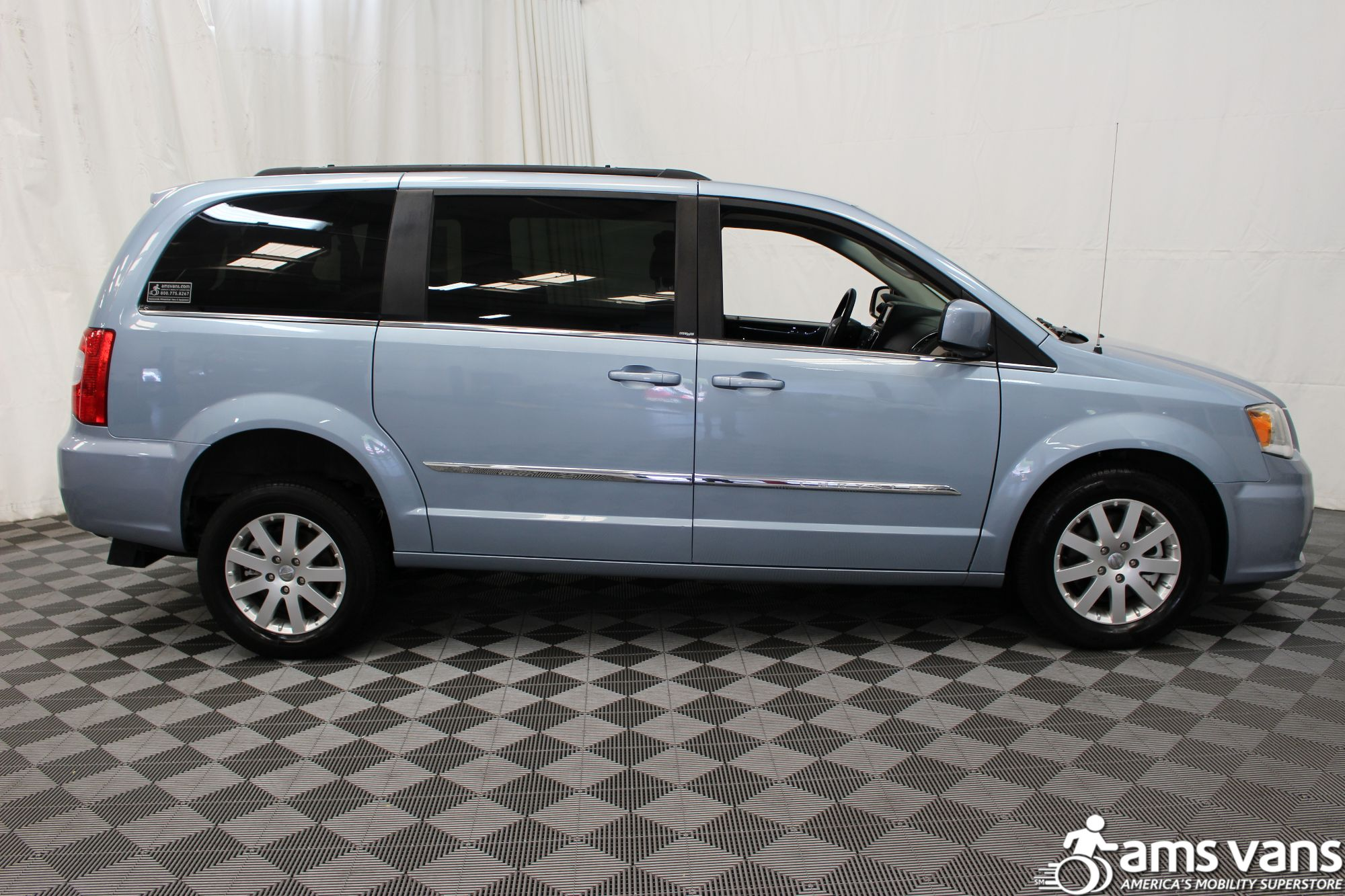 2013 Chrysler Town and Country Touring Wheelchair Van For Sale #10