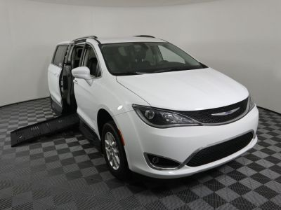 Handicap Van for Sale - 2020 Chrysler Pacifica Touring L Wheelchair Accessible Van VIN: 2C4RC1BG8LR106902