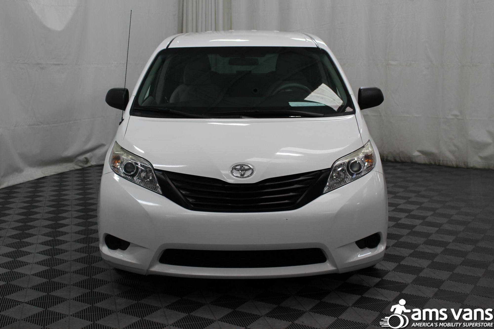 2013 Toyota Sienna L Wheelchair Van For Sale #15