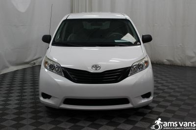 2013 Toyota Sienna Wheelchair Van For Sale -- Thumb #15