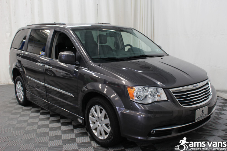 2015 chrysler town and country wheelchair van for sale 37 690. Black Bedroom Furniture Sets. Home Design Ideas